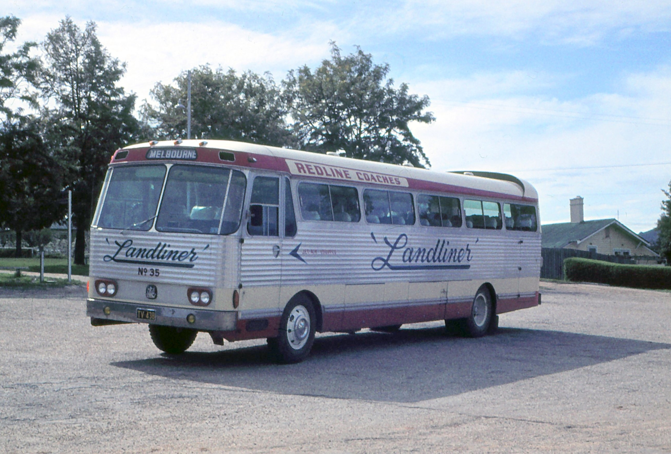 Denning double decker for sale - Another Early 1960s Denning Was Redline Coaches 35 A Rear Engine Denning Bodied Bedford Tv 438 Photographed On Tour At Hume Weir In 1965 Geoff Mann