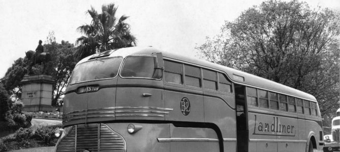 Semi-trailer buses and the Landliner